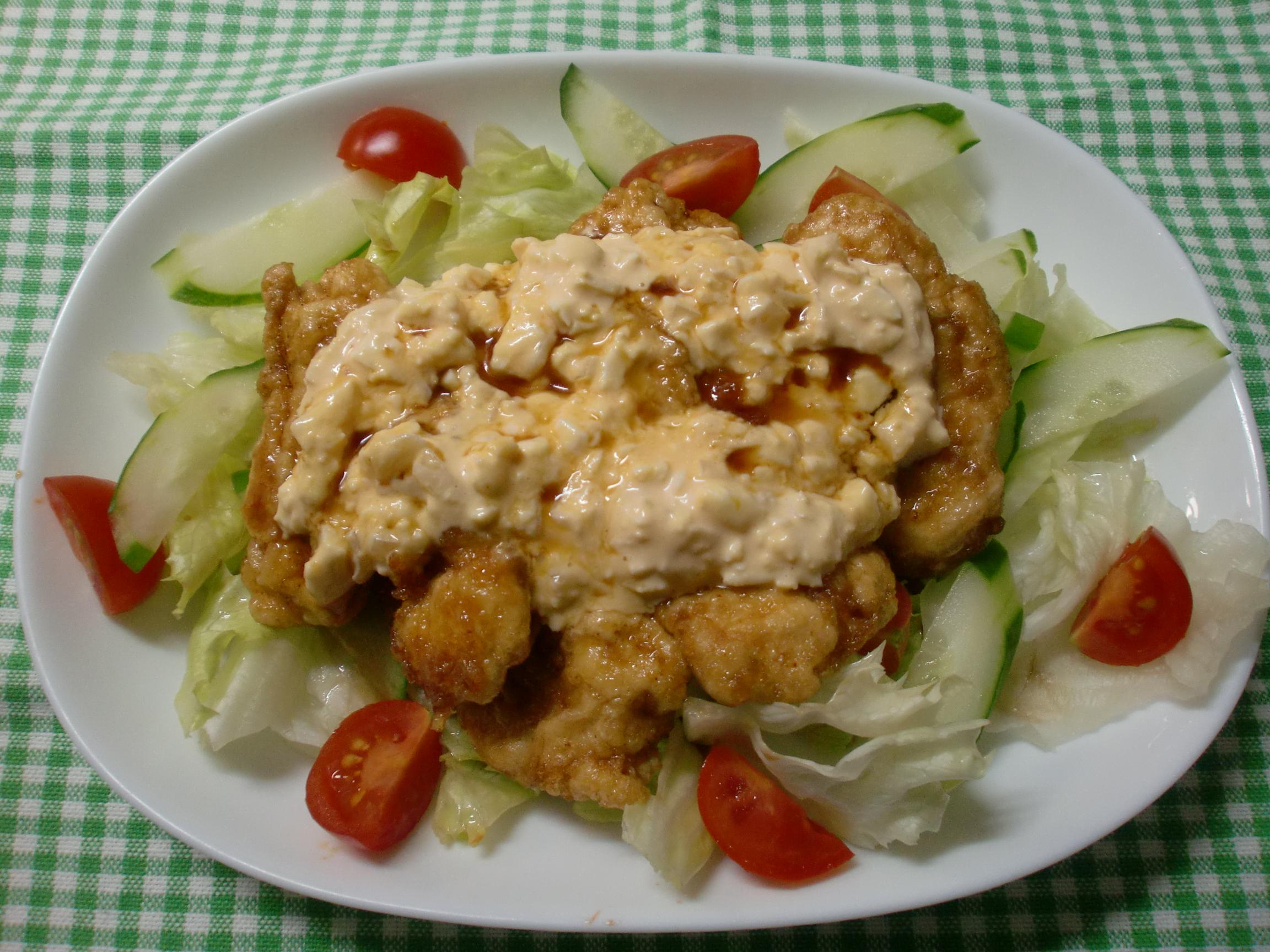 【減塩レシピ】野菜も取れるタルタルソースがけのチキン南蛮